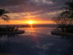 Breath-taking Costa Rican sunset at Peninsula Papagayo