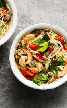 🍜Thai Tom Yum Soup🍜 Cozy up to a big bowl of this shrimp and noodle soup! The subtle spice, bright flavors, and Lemon Garlic are perfect this time of year! Tom Yum Noodle Soup, Thai Tom Yum Soup, Noodle Bowls, Shrimp Soup, Sour Soup, Big Bowl, Clean Eating Recipes, Spicy, Garlic