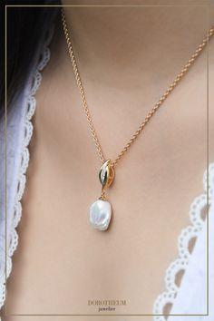 perlen, schmuck, kette, collier, perls, necklace, perl, modern, classic, timeless, zeitlos, klassisch, mode, fashion, style, accessoires, accessories Mode Blog, Pearl Necklace, Pearls, Accessories, Jewelry, Modern, Style, Fashion, Necklaces