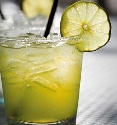 Margarita #receta #recetasMycook Tequila, Smoothies, Pickles, Cantaloupe, Cucumber, Pineapple, Lime, Cocktails, Fruit