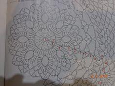 schematy bombek by siwa Crochet Ornaments, Christmas Crochet Patterns, Holiday Crochet, Crochet Chart, Crochet Stitches, Crochet Doilies, Crochet Flowers, Christmas Baubles, Christmas Decorations