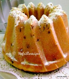 This part bread part cake is baked in a Kugelhopf pan, one of my favourite bundt pans in my collection Muesli Bread, Greek Sweets, Moist Cakes, Eat To Live, Pound Cake, Raisin, No Bake Cake, Deserts, Healthy Recipes