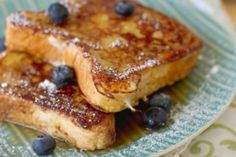 5 Healthy-ish French Toast Recipes,How to make French toast When you consider that a typical French toast recipe requires dipping white bread into egg and then frying it in butter befor. Healthy French Toast, Coconut French Toast, Make French Toast, Blueberry French Toast, Breakfast And Brunch, Breakfast Recipes, Sunday Brunch, Sunday Morning, Dinner Recipes