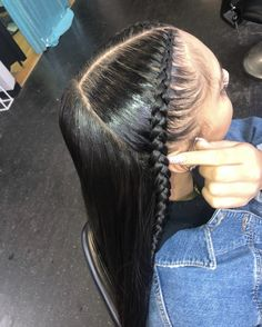 Hairdressing Advice That Will Keep Your Hair Looking Great. Are you affected by constant bad hair days? Do you feel as if you have tried everything possible to get manageable hair? Do not stress about your hair, rea Baddie Hairstyles, Weave Hairstyles, Straight Hairstyles, Girl Hairstyles, Black Hairstyles, Curly Hair Styles, Natural Hair Styles, Edges Hair, Instagram Hairstyles