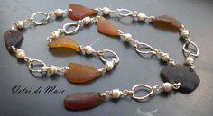 Perle e vetri marroni
