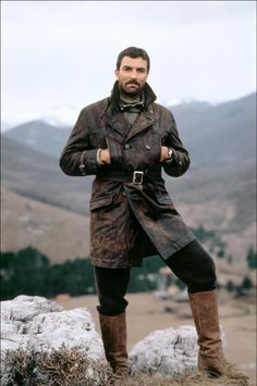 Omg, he's handsome! Tom Selleck in High Road to China Tom Selleck, Diesel Punk, Mode Masculine, Movies Costumes, Jesse Stone, Michigan, Blue Bloods, Raining Men, Looks Cool