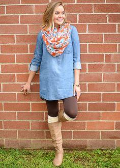 Your go to tunic for the Fall!! You can never go wrong with a denim/chambray top. A necessity for your wardrobe!! Perfect to pair with skinnies, or leggings. Li
