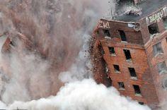 11-story+Albany+hotel+demolished+amid+fireworks