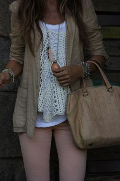 Turn your pink pants into a Fall staple with a white sweater, some necklaces and a good Fall jacket!