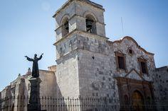 Arequipa, ha sido declarada Patrimonio de la Humanidad, a diferencia de muchos de los otros sitios en el Perú, es la influencia española que se conserva aquí. Arequipa no tiene ruinas incas o estructuras de las antiguas civilizaciones. Esta es una ciudad de los conquistadores.