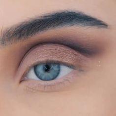Meet the best eye makeup course! up makeup makeup Nude Makeup, Glam Makeup, Beauty Makeup, Hair Makeup, Blue Dress Makeup, Ariel Makeup, Eyeshadow Looks, Makeup Eyeshadow, Eyeshadow Brushes