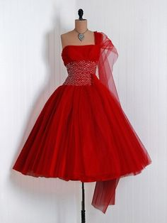 Vintage Fiery Ruby-Red Sequin Tulle-Couture Asymmetric One-Shoulder Plunge Shelf-Bust Strapless Nipped-Waist Rockabilly Ballerina-Cupcake Princess Full Circle-Skirt Swing Bombshell Formal Wedding Evening Cocktail Prom Party Dress Robes Vintage, Vintage Red Dress, Vintage Dresses, Vintage Outfits, 1950s Dresses, Vintage Clothing, Retro Mode, Vintage Mode, Moda Vintage