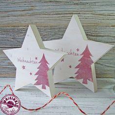 """Diese schönen Holzsterne in weiß aus Holz, ca. 3 cm dick mit dem Schriftzug """"Weihnachten"""" im Shabby Style  bringen natürliche Gemütlichkeit in Ihr Zuhause!  Die Sterne werden von Hand ausgesägt..."""