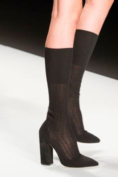 Francesco Scognamiglio at Milan Fashion Week Spring 2017 - Details Runway Photos Bootie Boots, Shoe Boots, Shoes Heels, Pumps, Crazy Shoes, Me Too Shoes, Style Personnel, Mode Shoes, Mode Blog