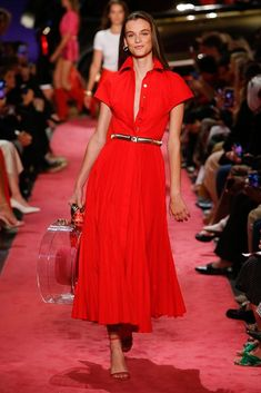 Brandon Maxwell Spring 2019 Ready-to-Wear collection, runway looks, beauty, models, and reviews.