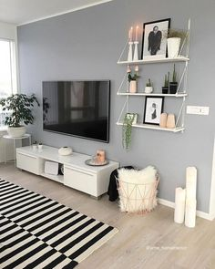 51 Affordable Apartment Living Room Design Ideas On A Budget & GentileForda.Com The post 51 affordable apartment living room design ideas on a budget 46 appeared first on Home Decor. Living Room Shelves, Boho Living Room, Apartment Living Room Design, Living Room Decor Tips, Living Room Designs, Apartment Living Room, Living Decor, Room Decor, Apartment Decor