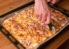 Kenyérlángos (langalló) | Bérczi Róbert receptje - Cookpad receptek My Recipes, Gourmet Recipes, Cake Recipes, Cooking Recipes, Cheesy Chicken Enchiladas, Taco Pizza, Recipe Filing, Salty Snacks, Hungarian Recipes
