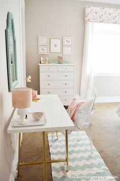 Desk In Girl Bedroom