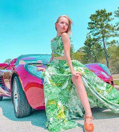 Lilliana Ketchman, Studio Photography Poses, How To Make A Pom Pom, Jojo Siwa, Dance Moms, Fashion Sewing, Cute, Outfits, Lily Pulitzer