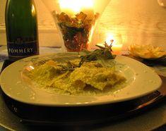 Ravioli+cannellini+bruscandoli+Castelmagno+fiammeggiati+alla+grappa
