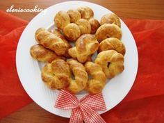 Πασχαλινά κουλουράκια!   Είμαστε Γυναίκες   Το απόλυτο γυναικείο περιοδικό Greek Recipes, French Toast, Sweets, Cookies, Breakfast, Easter, Food, Spring, Crack Crackers