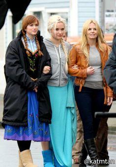 Elizabeth, Georgina & Jennifer on set - October 22, 2014