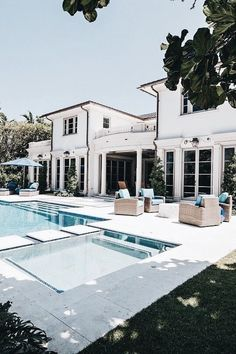 88 inspiring small pool remodel for your backyard 34 - Homeadzki Website