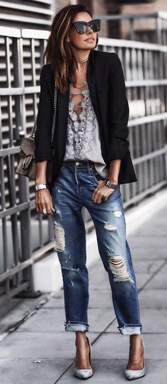fashionable outfit idea blazer + blouse + boyfriend jeans + heels