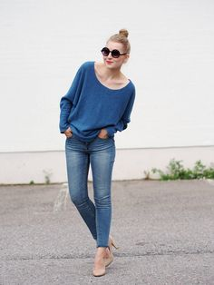 Arelalizza Cashmere Sweater, Lindex Jeans, Marc By Marc Jacobs Nude Heels, Lindex Sunglasses, Mac Lipstick