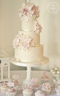 https://flic.kr/p/fnukTF | Rose & Hydrangea cake - Warwick House