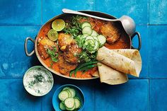 One pot butter chicken The world's most-loved Indian culinary export gets a mod makeover. The result? Easy, fresh butter chicken with (almost) no washing up. Philippe Rigollot, Tandoori Paste, Midweek Meals, Weeknight Dinners, Indian Food Recipes, Ethnic Recipes, Warm Food, Chicken Seasoning, Butter Chicken