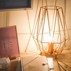 Diese Hübsche Lampe Ist Ein Must Have Für Jede Moderne Wohneinrichtung.
