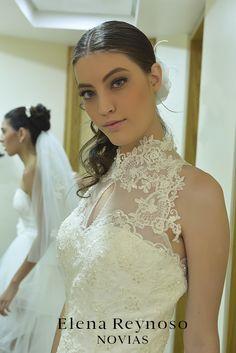 Elena Reynoso • Colección Novias •Diseño Megan falda en capas de tul que contrasta con la  parte posterior romántica y bordado en cristal.