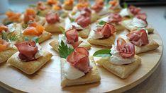 Domowe Przekąski na Imprezę: 12 Pysznych Przepisów Snack Recipes, Snacks, Appetisers, Bruschetta, Catering, Ale, Waffles, Food And Drink, Waffle