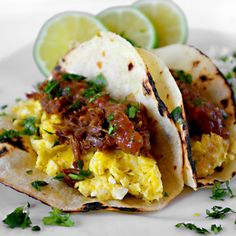 Orange And Beer Braised Pork Carnitas Breakfast Tacos - Honest Cooking Breakfast Tacos, Breakfast Menu, Breakfast Time, Best Breakfast, Breakfast Recipes, Mexican Breakfast, Breakfast Healthy, Health Breakfast, Breakfast Catering