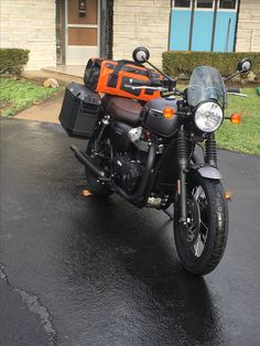 Triumph T120 Triumph Motorcycles, Cars And Motorcycles, Triumph Bonneville T120, Royal Enfield, Bobber, Motorbikes, Motorcycle Touring, Vehicles, Luggage Rack