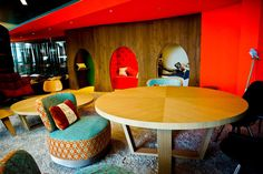 Google's new London headquarters offers the best in workplace environment.The 160,000 square foot development features cutting-edge design that offers a decidedly quirky take on the traditional office. Renowned interior designers PENSON were given the task of creating a vibrant workspace and well they did wonders.