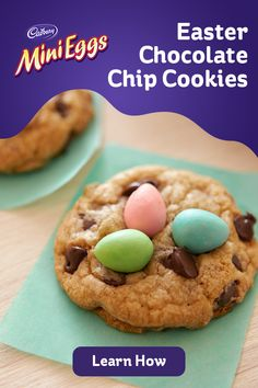Truly the BEST Bakery Style Chocolate Chip Cookies EVER! Soft and chewy, extra thick and just loaded with sweet chocolate! Come and get 'em! // Mom On Timeout Cookie Desserts, Cookie Recipes, Dessert Recipes, Fun Recipes, Recipies, Easter Cookies, Easter Treats, Easter Food, Yummy Treats