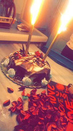Happy Birthday Chocolate Cake, Happy Birthday Cake Images, Birthday Cakes For Teens, Birthday Pictures, Happy Birthday Wishes, Vegan Quesadilla, Bithday Cake, Birthday Wallpaper, Food Snapchat