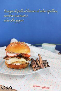 burger di pollo al limone ed erba cipollina, zucchine marinate e salsa allo yogurt