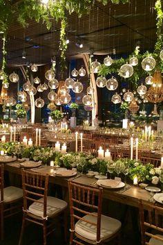 crea una atmósfera cálida y romántica con esferas burbuluz y velas Led