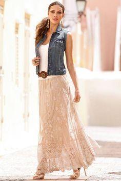 Lace maxi skirt 25 Lace Looks You'll Love Lace Skirt Outfits, Cute Maxi Skirts, Long Skirts, Modest Fashion, Fashion Dresses, Mode Hippie, Estilo Hippie, Look Boho, Boho Style