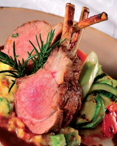 Barbecued lamb chops in rosemary gravy with charquicán criollo