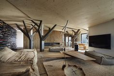 Discover more of the best Interior, Design, Penthouse, Beef, and Architekti inspiration on Designspiration Beautiful Interior Design, Best Interior Design, Contemporary Interior, Interior Decorating, British Colonial Style, Alvar Aalto, Bratislava, Interior Architecture, Living Room Designs