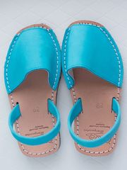 Classic Children Sandals Abarcas Fucsia, by Capicua - Capicua on Taigan