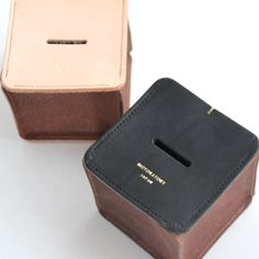 MOTORATORY LEATHER MONEY BOX
