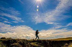 Niña luchando contra el viento by Rodrigo Santana on 500px Clouds, Mountains, Nature, Travel, Outdoor, Outdoors, Naturaleza, Viajes, Trips