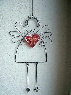 anjel so srdcom Wire Crafts, Metal Crafts, Diy And Crafts, Arts And Crafts, Wire Ornaments, Angel Ornaments, Christmas Projects, Christmas Crafts, Christmas Ornaments