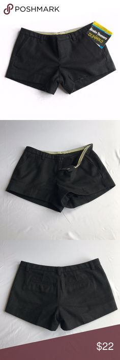 """Gap Black Wool Shorts Be fashion forward this fall (and winter)!  EUC Women's Gap Wool Tailored Shorts In pristine, like-new condition Clasp and button closure 2 open front pockets 2 sealed rear pocket - can be opened Belt loops with 1"""" opening 66% Recycled Wool Lined Excellent quality Non-smoking home  Pet-free home   Measurements and Care: 15ish"""" flat waist 7ish"""" rise  3"""" inseam 11.5ish"""" flat leg opening Dry Clean Only  Bundle for discounts or make me an offer I can't refuse  Black GAP…"""