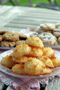 Kokostoppar (coconut cookies) My favorite cookie